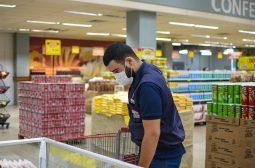 Procon-AM apreende mais de 50 Kg de produtos em supermercado na Av. Djalma Batista, em Manaus